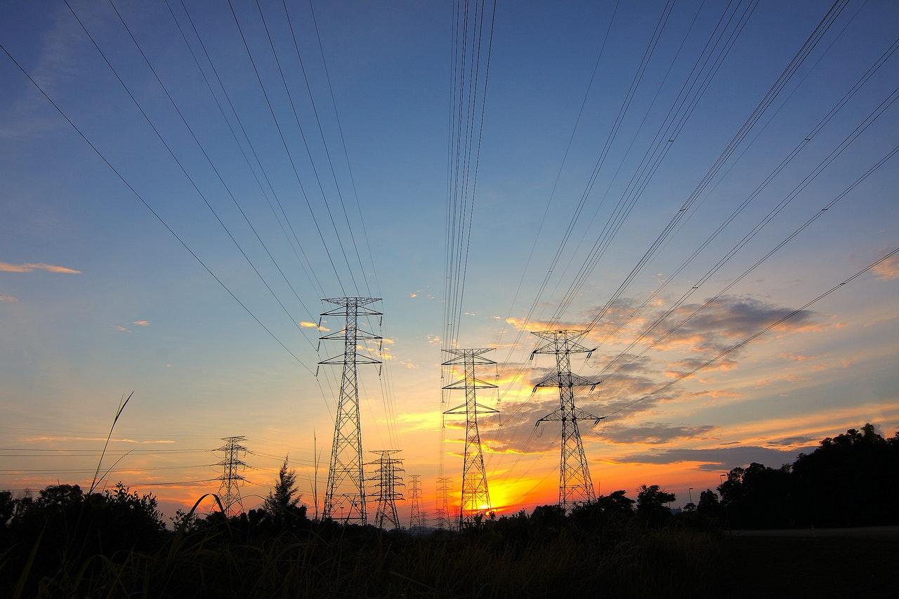 Connectors for power generators
